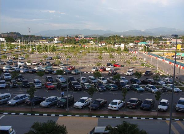 Parkeren bij pretparken een dure aangelegenheid